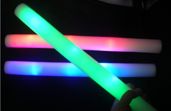 baton lumineux mousse tap tap 48cm LEDs MULTICOLORES