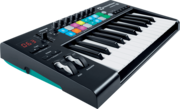 Clavier maitre Novation Launchkey 25 MK2 16 pads 25 notes