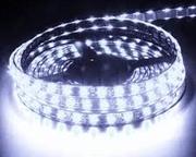 Ruban LED 12V Blanc Froid Glacial 7500K 60 LEDS 5050 900 lumens par metre IP65 Rouleau de 5m