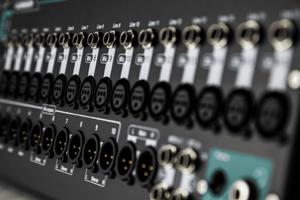 QU-SB Allen & Heath console numérique 16 entrées 11 sorties