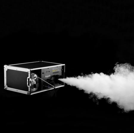 Cameo INSTANT FOG 1700 T PRO - Machine à fumée pro 1700W en flight